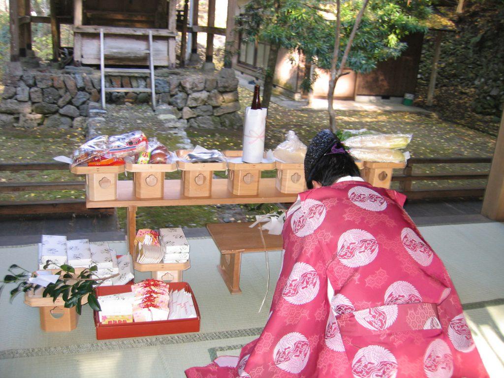 毎年12月初旬に五社八幡神社にて合格祈願の奉納が行われます