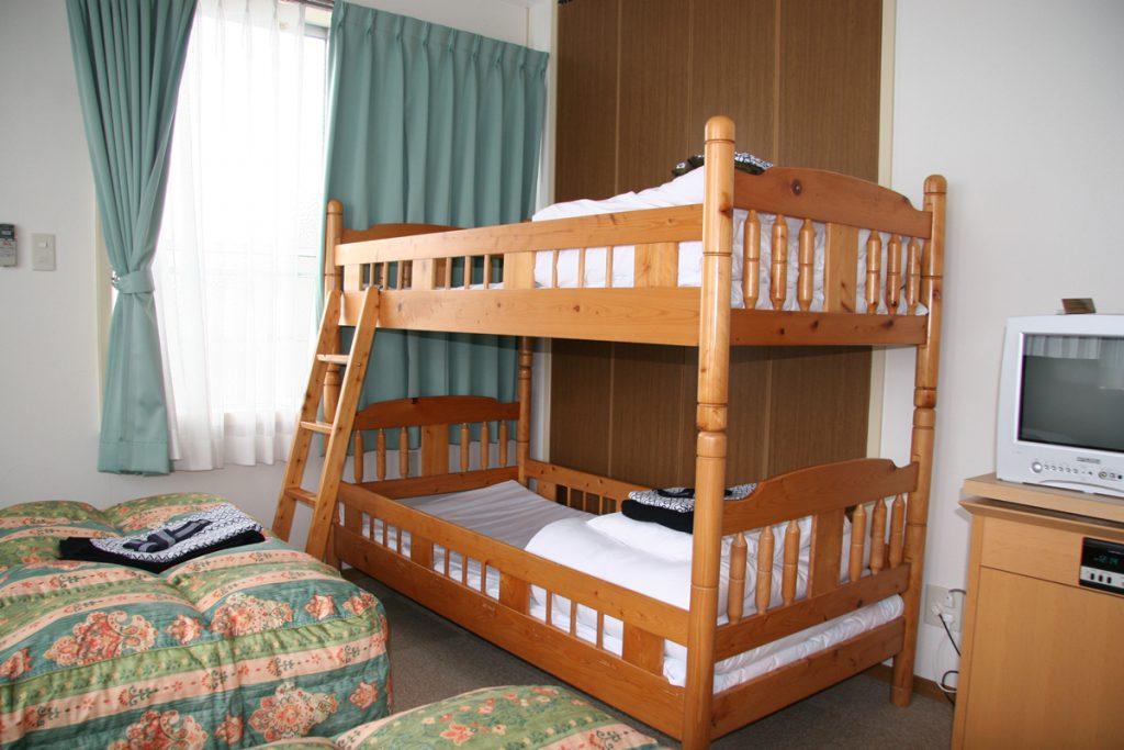二段ベッドを備えたお部屋
